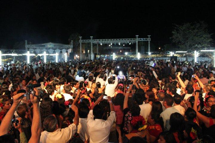 La fiesta muxe en Juchitán. |Fotografía: Arlene Bayliss
