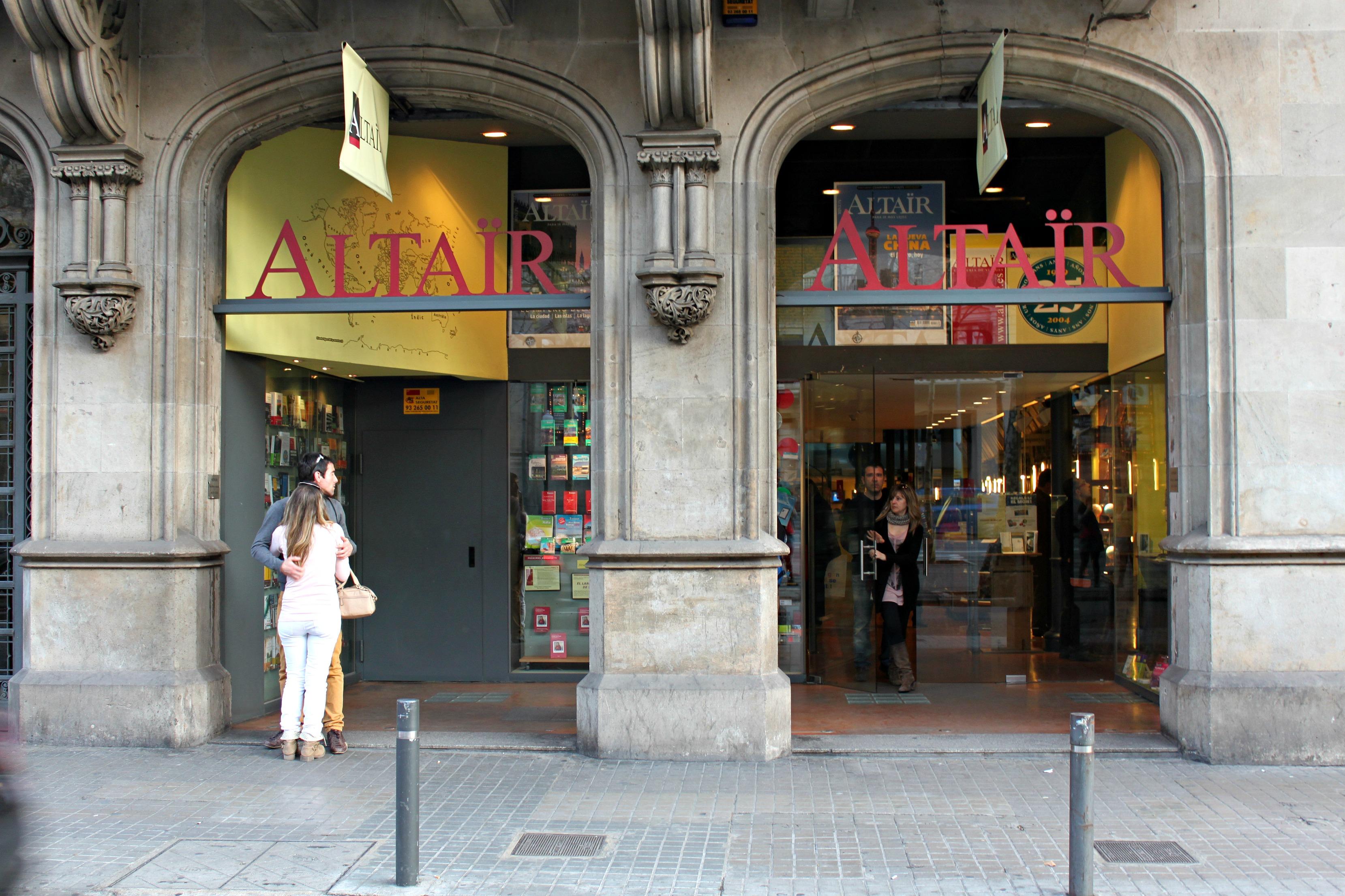 Barcelona y su librer a de viajes alta r reportaje viaje con escalas - Libreria marcial pons barcelona ...