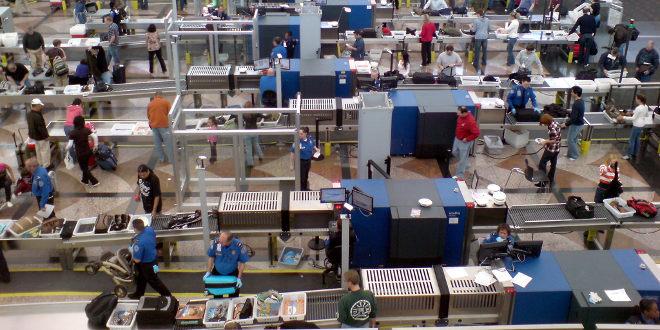 Filtros de seguridad en los aeropuertos. |Fotografía: Liligo, Aeropuerto de Denver.