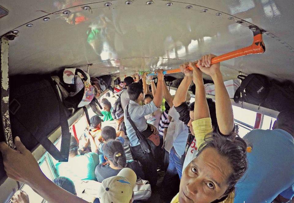 Ya no hay trenes en Latinoamérica, los viajes son de autobús en autobús. |Fotografía: José Alejandro