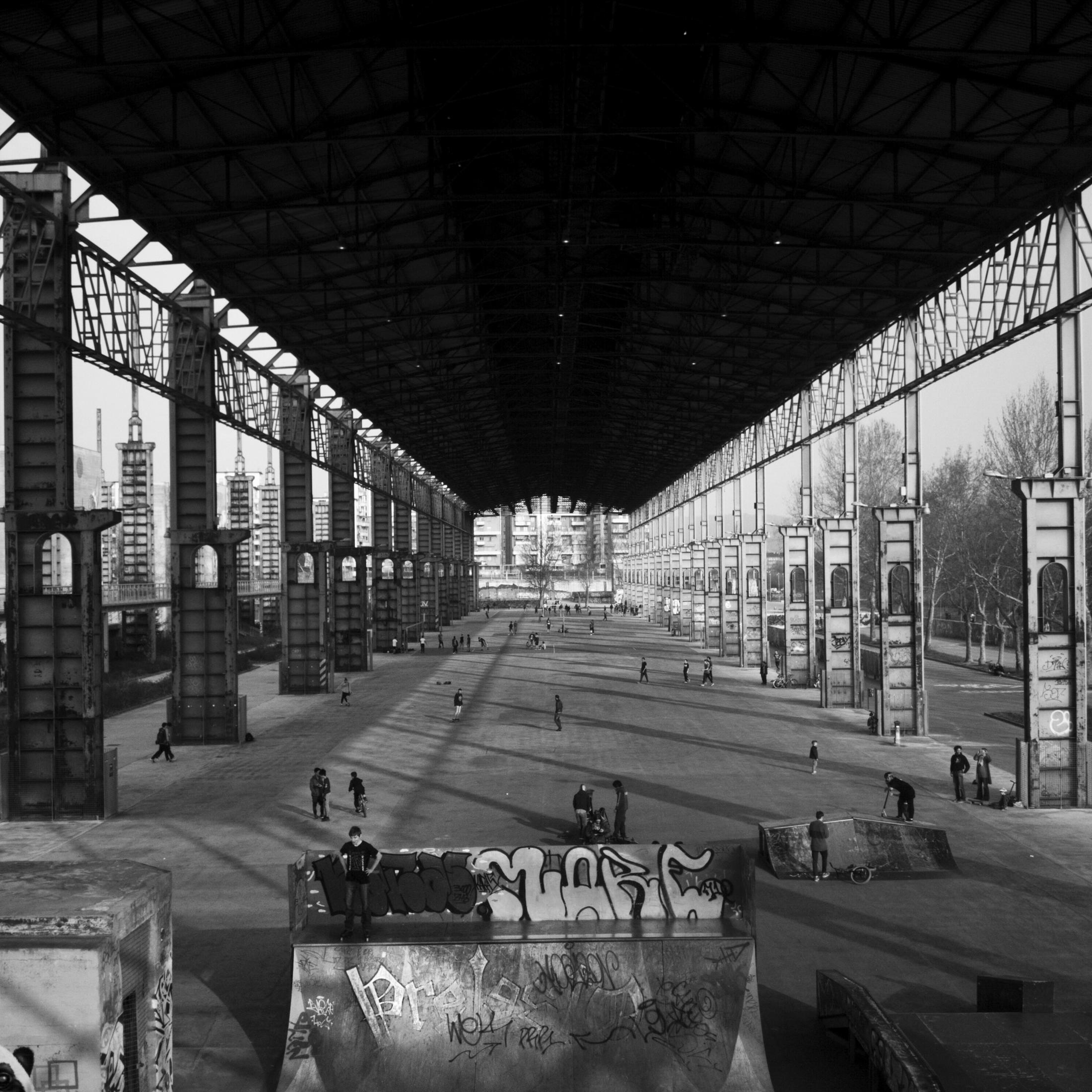 Turín entre columnas de hierro |Fotografía: Diego Sánchez