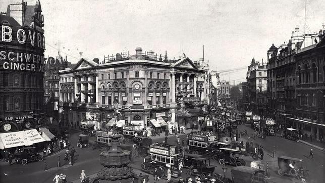 Picadilly Circus en la época de Julio Camba.
