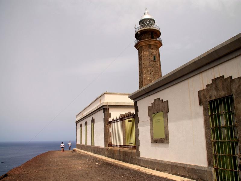 El Faro de Orchilla se encuentra en el punto donde hasta 1884 pasaba el Meridiano Cero. |Fotografía: Virginia Martínez