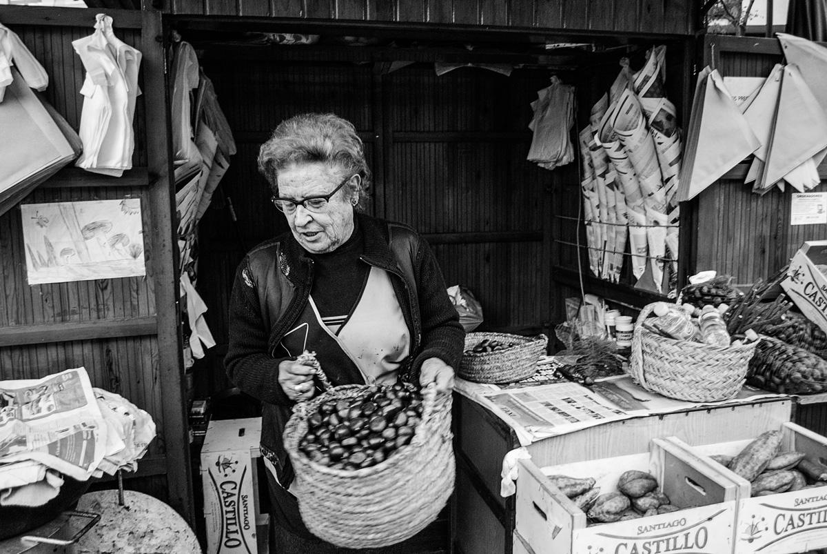 La castañera que viajó a Colombia   Fotografía: Beatriz Lizana